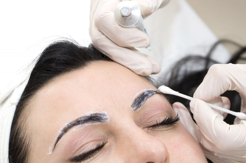 Анестезия при сведении перманентного макияжа