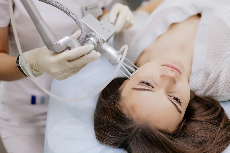 Применение эрбиевого и CO2 лазера в косметологии