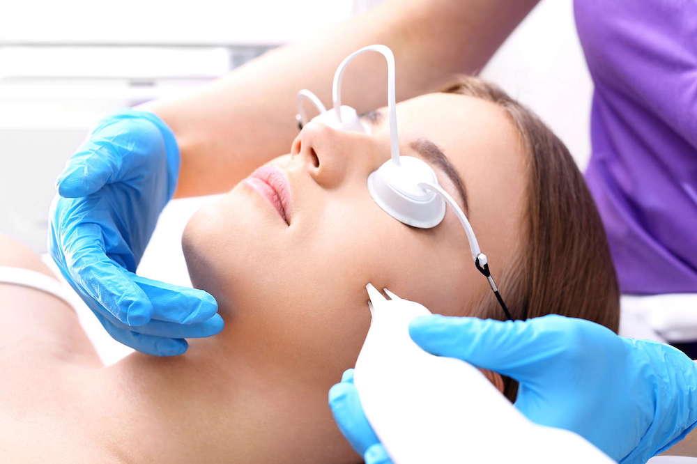 Применение лазера для удаления пигментации на лице