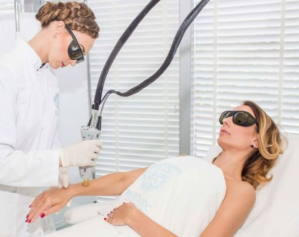 Лечение лентиго лазером