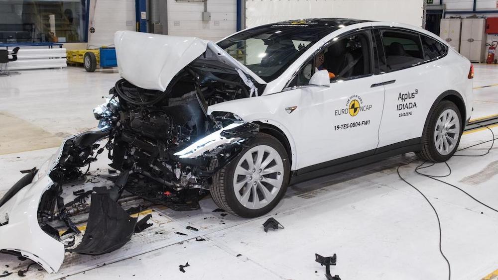 Безопасны ли электромобили