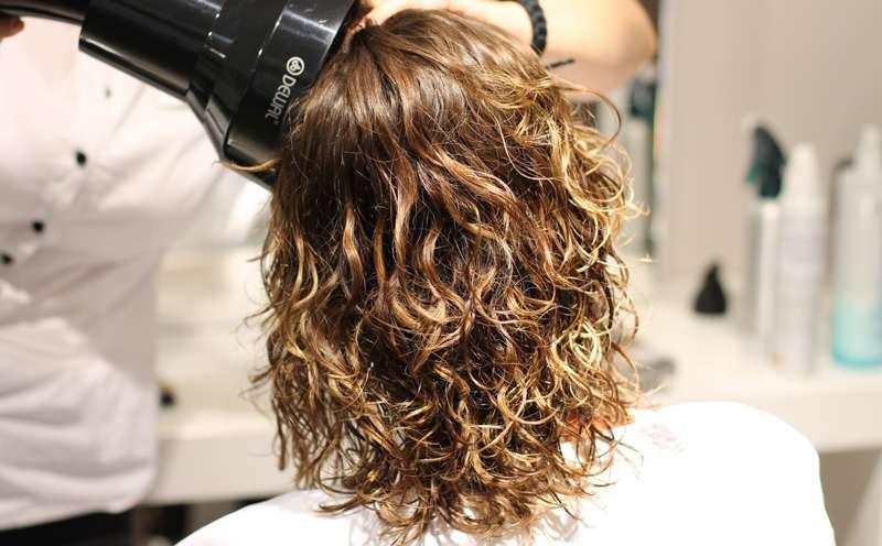 долговременная укладка вредна для волос