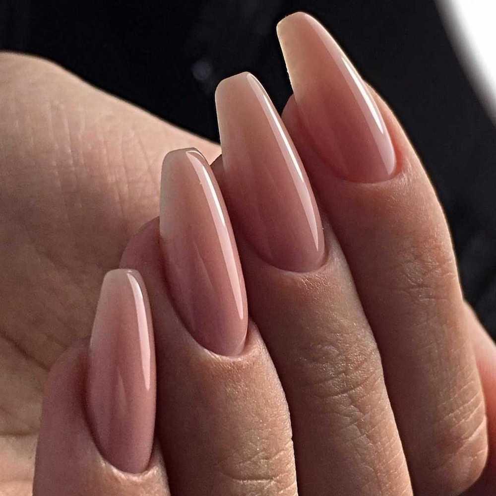 Ногти формы балерина