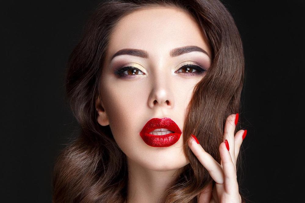 Нравится ли мужчинам яркий макияж