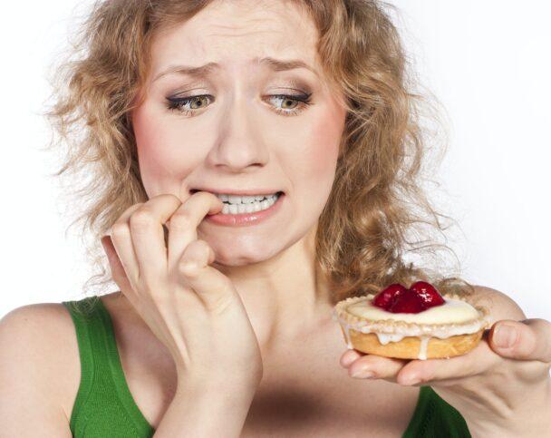 Правда ли, что от фастфуда и сладкого появляются прыщи