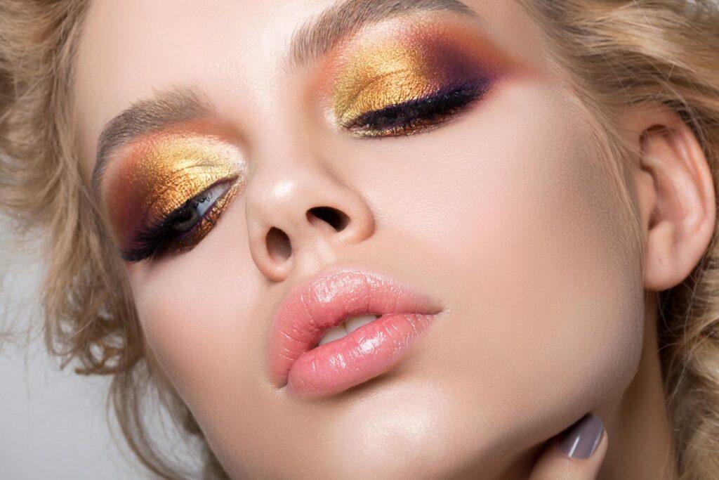 Вызывающе яркий макияж