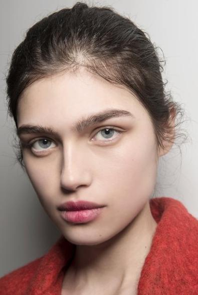 Легкая небрежность в макияже
