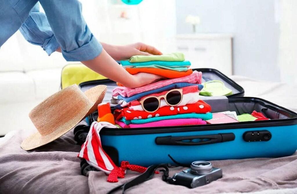Как компактно сложить вещи в дорожную сумку