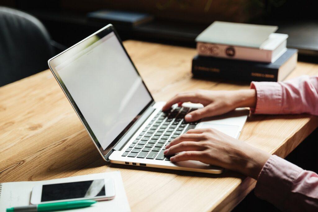 Стоит ли обучаться в онлайн-школах