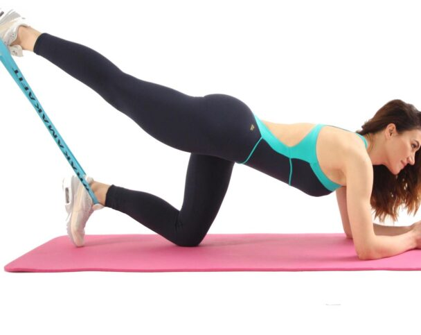 упражнения с резинкой для фитнеса