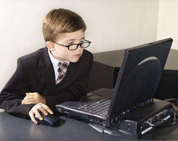 Как выбрать компьютер для школьника