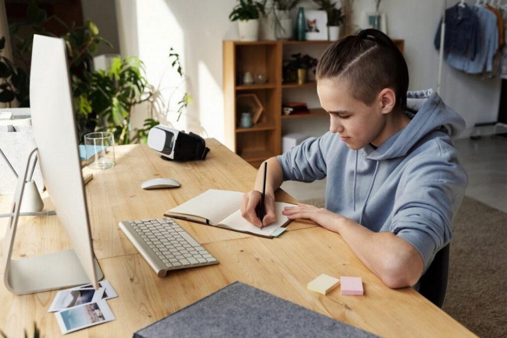 Как выбрать компьютер для старшеклассника