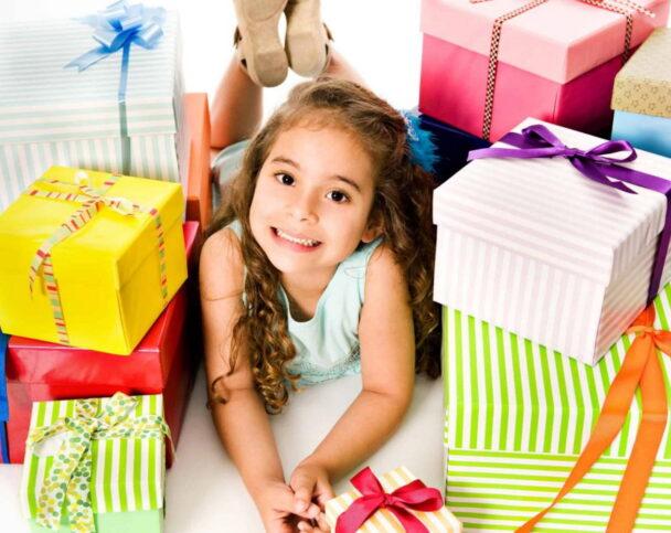 Как выбрать подарок ребенку